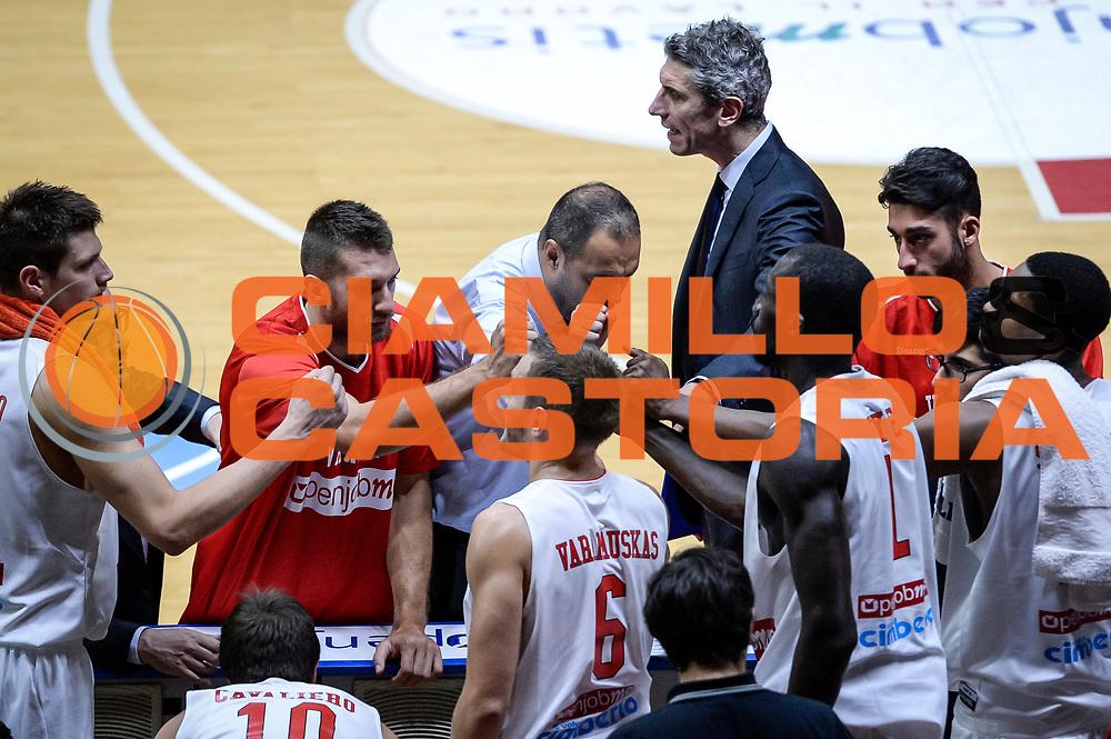DESCRIZIONE : Varese FIBA Eurocup 2015-16 Openjobmetis Varese Telenet Ostevia Ostende<br /> GIOCATORE : Paolo Moretti<br /> CATEGORIA : Squadra<br /> SQUADRA : Openjobmetis Varese<br /> EVENTO : FIBA Eurocup 2015-16<br /> GARA : Openjobmetis Varese - Telenet Ostevia Ostende<br /> DATA : 28/10/2015<br /> SPORT : Pallacanestro<br /> AUTORE : Agenzia Ciamillo-Castoria/M.Ozbot<br /> Galleria : FIBA Eurocup 2015-16 <br /> Fotonotizia: Varese FIBA Eurocup 2015-16 Openjobmetis Varese - Telenet Ostevia Ostende
