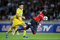 FOOTBALL - UEFA EUROPA LEAGUE 2010/2011 - PLAY OFF - 2ND LEG - LILLE OSC v FC VASLUI - 26/08/2010 - PHOTO JEAN MARIE HERVIO / DPPI - MOUSSA SOW (LOSC) / PENALTY FOUL