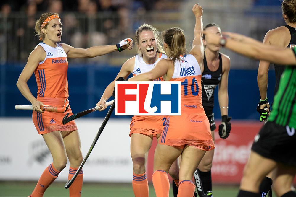 AUCKLAND - Sentinel Hockey World League final women<br /> Match id 10292<br /> 02 NED v NZL (Pool A)<br /> Foto:  Goal celebratian NLd , goal Kreekelaar.<br /> WORLDSPORTPICS COPYRIGHT FRANK UIJLENBROEK