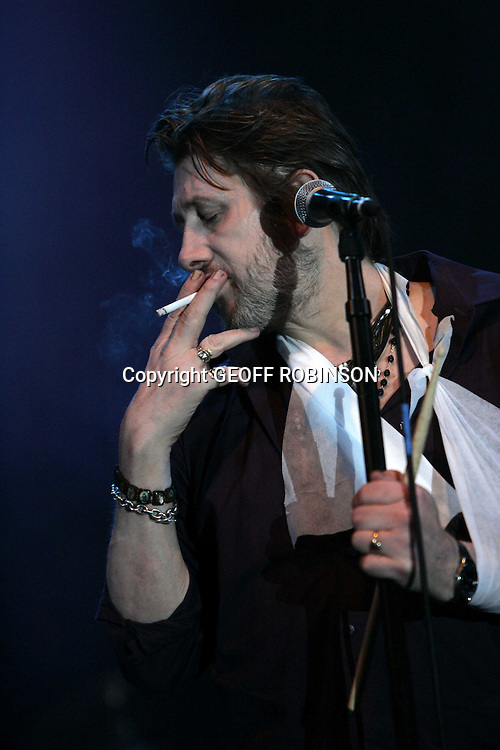 V FESTIVAL AT HYLANDS PARK IN CHELMSFORD,ESSEX ON SATURDAY 16TH AUGUST...PIC SHOWS SHANE McGOWAN  ON STAGE