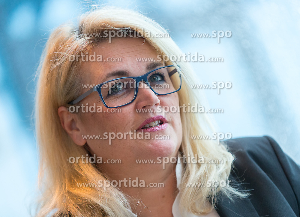 """22.01.2018, Innsbruck, AUT, Interview, Andrea Krumschnabel, im Bild Spitzenkandidatin der neuen """"Family - Die Tiroler Familienpartei"""" Andrea Krumschnabel // during a Interview and Photosession of the Tyrolean Family Party in Innsbruck, Austria on 2018/01/22. EXPA Pictures © 2018, PhotoCredit: EXPA/ Jakob Gruber"""