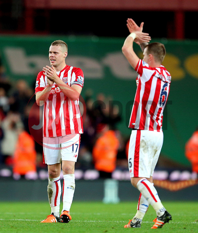Ryan Shawcross of Stoke City applauds the fans - Mandatory byline: Matt McNulty/JMP - 07966 386802 - 07/11/2015 - FOOTBALL - Britannia Stadium - Stoke-On-Trent, England - Stoke City v Chelsea - Barclays Premier League