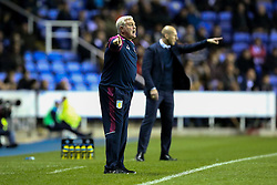 Aston Villa manager Steve Bruce shouts from the sideline - Mandatory by-line: Jason Brown/JMP - 18/10/2016 - FOOTBALL - Madejski Stadium - Reading, England - Reading v Aston Villa - Sky Bet Championship