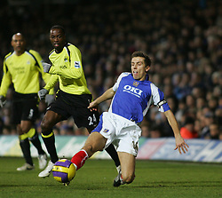 Portsmouth, England - Saturday, February 10, 2007: Portsmouth's Gary O'Neill and Manchester City's DeMarcus Beasley during the Premiership match at Fratton Park. (Pic by Chris Ratcliffe/Propaganda)