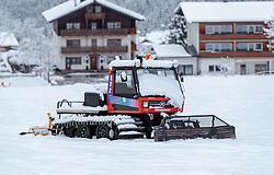 THEMENBILD - ein zugeschneites Pistengerät, aufgenommen am 12. November 2016, Krimml, Österreich // a snowcat, Krimml, Austria on 2016/11/12. EXPA Pictures © 2016, PhotoCredit: EXPA/ JFK