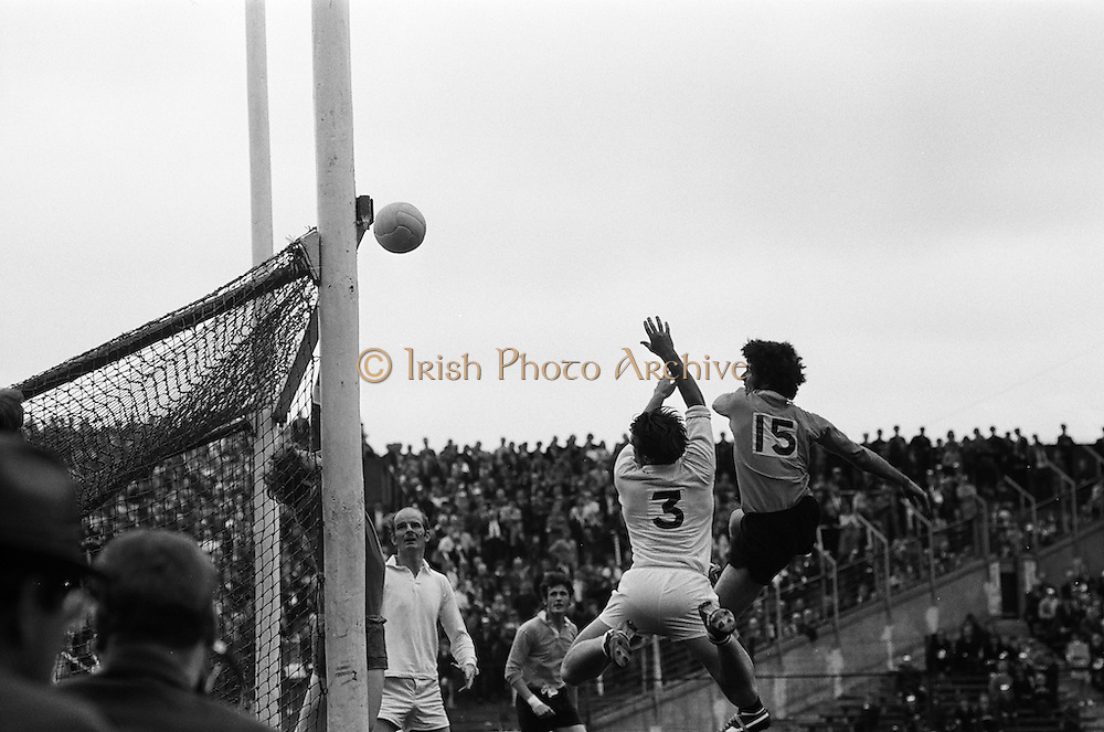 All Ireland Football Semi-Final. Galway v Down. Croke Park, Dublin. 8th, August, 1971, 08.08.1971, down, abu,