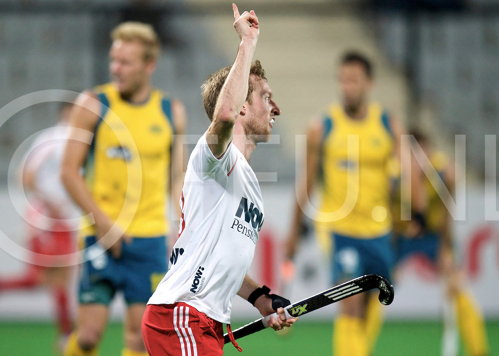 NEW DELHI - Hock World League  Final Men<br /> 23 ENG v AUS (3 / 4) 2-1<br /> England third place<br /> foto: Barry Middleton scores 2-1.<br /> FFU PRESS AGENCY COPYRIGHT FRANK UIJLENBROEK
