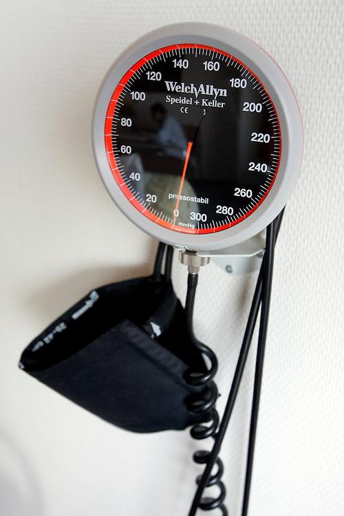 The Hague. Hospital. MCH. Medisch Centrum Haaglanden. Blood pressure.Photo: Gerrit de Heus