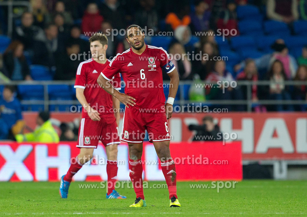 16.11.2013, Cardiff City Stadium, Cardiff, WAL, Fussball Testspiel, Wales vs Finnland, im Bild Wales' captain Ashley Williams shows, look of dejection after Finland score, late equaliser // during the international friendly match between Wales and Finland at the Cardiff City Stadium in Cardiff, Great Britain on 2013/11/17. EXPA Pictures © 2013, PhotoCredit: EXPA/ Propagandaphoto/ Kieran McManus<br /> <br /> *****ATTENTION - OUT of ENG, GBR*****