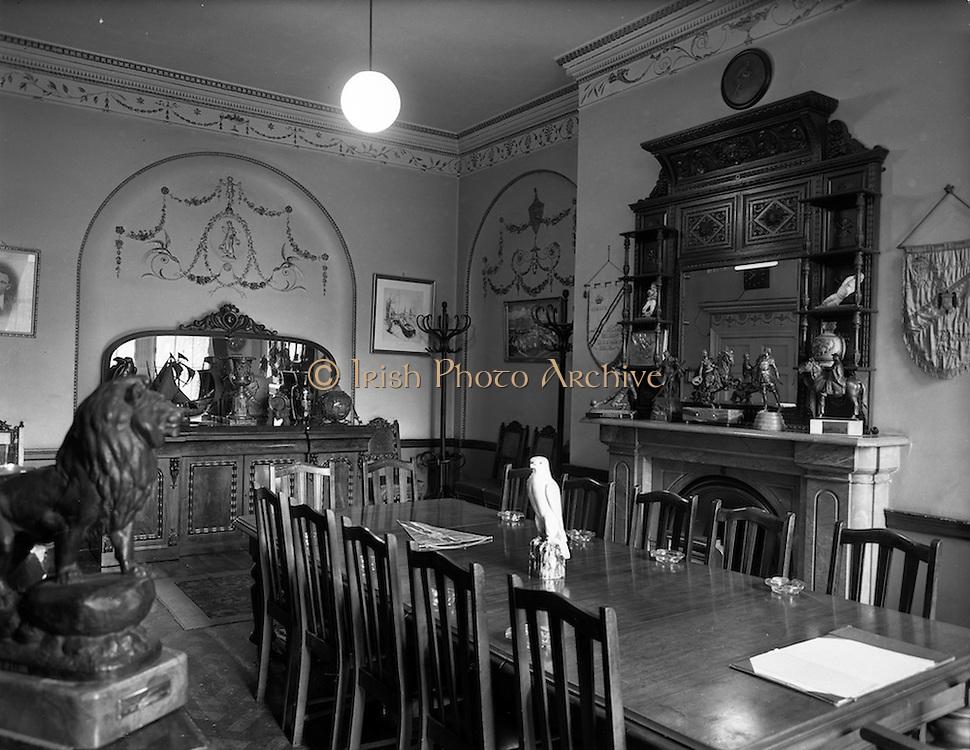 21/09/1960<br /> 09/21/1960<br /> 21 September 1960<br /> Football Association of Ireland Headquarters, 80 Merrion Square, Dublin. The Council Room.