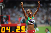 LONDON OLYMPIC GAMES 2012 - OLYMPIC STADIUM , LONDON (ENG) - 10/08/2012 - PHOTO : STEPHANE KEMPINAIRE / POOL / KMSP / DPPI<br /> ATHLETICS - WOMEN'S 5000 M - FINAL - GOLD MEDAL - MESERET DEFAR (ETH)