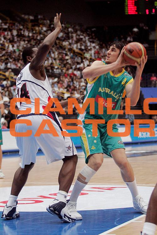 DESCRIZIONE : Saitama Giappone Japan Men World Championship 2006 Campionati Mondiali Usa-Australia <br /> GIOCATORE : Bogut <br /> SQUADRA : Australia <br /> EVENTO : Saitama Giappone Japan Men World Championship 2006 Campionato Mondiale Usa-Australia <br /> GARA : Usa Australia Stati Uniti America Australia <br /> DATA : 27/08/2006 <br /> CATEGORIA : Tiro <br /> SPORT : Pallacanestro <br /> AUTORE : Agenzia Ciamillo-Castoria/A.Vlachos <br /> Galleria : Japan World Championship 2006<br /> Fotonotizia : Saitama Giappone Japan Men World Championship 2006 Campionati Mondiali Usa-Australia <br /> Predefinita :