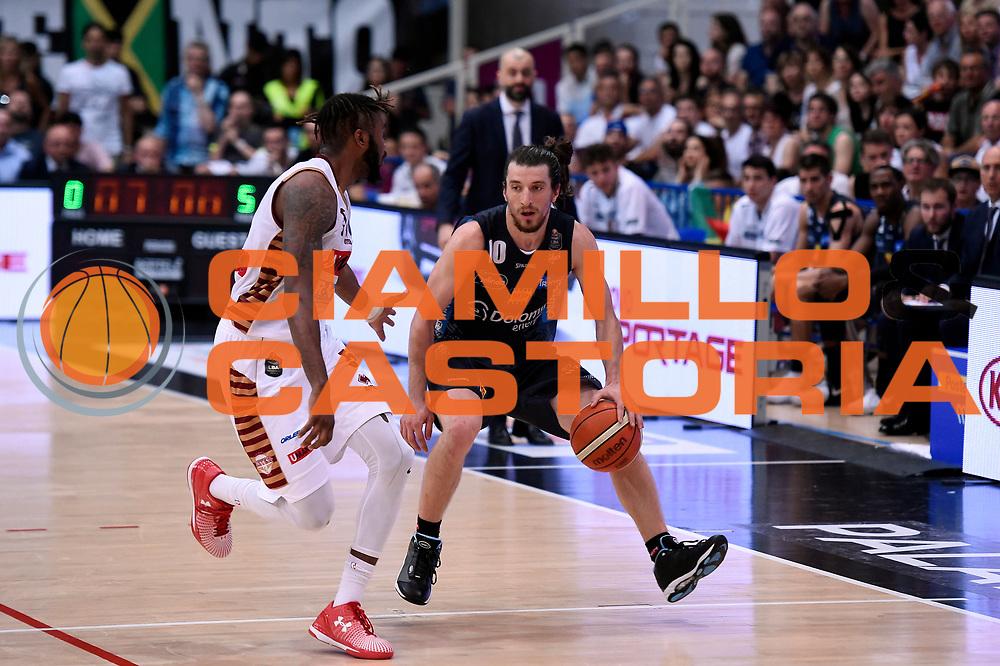 Andres Pablo Toto Forray<br /> Dolomiti Energia Aquila Basket Trento - Umana Reyer Venezia<br /> Lega Basket Serie A 2016/2017<br /> Playoff, finale gara 4<br /> Trento, 16/06/2017<br /> Foto M.Ceretti / Ciamillo-Castoria