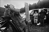 THE BOOKMAKERS TRYING TO SIGHT THE HOUNDS ON THE HILLSIDE DURING A TRAIL RACE AT BENTPATH AGRICULTURAL SHOW, BENTPATH, NEAR LOCKERBIE. SATURDAY 2.9.00.©JEREMY SUTTON-HIBBERT 2000..