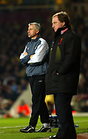 Fotball<br /> England 2004/2005<br /> Foto: SBI/Digitalsport<br /> NORWAY ONLY<br /> <br /> West Ham United v Watford<br /> Coca Cola Championship. 27/11/2004<br /> <br /> Alan Pardew urges his team on. Ray Lewington can only watch on as his team lose