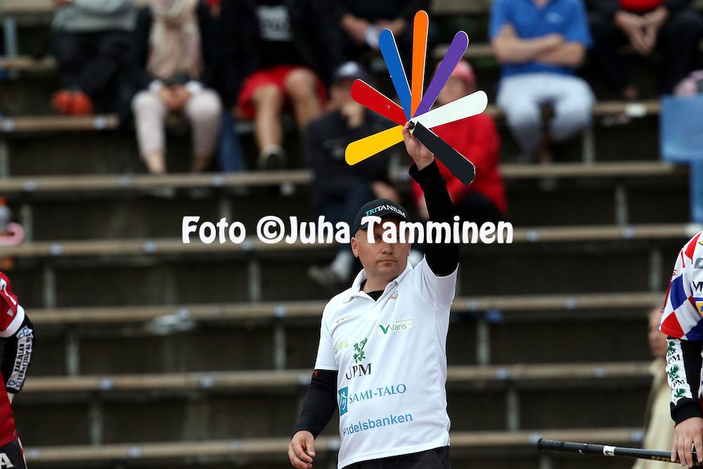 21.7.2015, Pihkalan pes&auml;pallostadion, Hyvink&auml;&auml;.<br /> Superpesis 2015, Hyvink&auml;&auml;n Tahko - Joensuun Maila.<br /> Pelinjohtaja Janne Vuorinen - JoMa