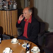 Galaconcert Anneke Grönloh Den Haag, Peter koelewijn aan de telefoon