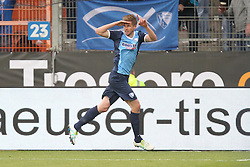 22.04.2016, Rewirpower Stadion, Bochum, GER, 2. FBL, VfL Bochum vs Karlsruher SC, 31. Runde, im Bild Torjubel ueber das Tor zum 1:0 durch Simon Terode (#22, VfL Bochum) // during the 2nd German Bundesliga 31th round match between VfL Bochum and Karlsruher SC at the Rewirpower Stadion in Bochum, Germany on 2016/04/22. EXPA Pictures &copy; 2016, PhotoCredit: EXPA/ Eibner-Pressefoto/ Deutzmann<br /> <br /> *****ATTENTION - OUT of GER*****