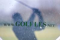 AMSTERDAM - Golfles op Golfbaan De Hoge Dijk in Amsterdam. COPYRIGHT KOEN SUYK