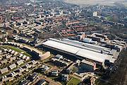 Nederland, Gelderland, Wageningen, 11-02-2008; in de voorgrond het Park 'Haagsteeg', op het voormalige terrein van de Landbouwuniversiteit, het grote gebouw is het maritieme onderzoeksinstituut MARIN (Maritime Research Institute Netherlands); rechtsboven de historische binnenstad en de Rijn; Nederrijn, neder rijn, hydrodynamiek, golflaboratorium, laboratorium, nautische technologie, stromingen, stroming, getij, eb, vloed..luchtfoto (toeslag); aerial photo (additional fee required); .foto Siebe Swart / photo Siebe Swart