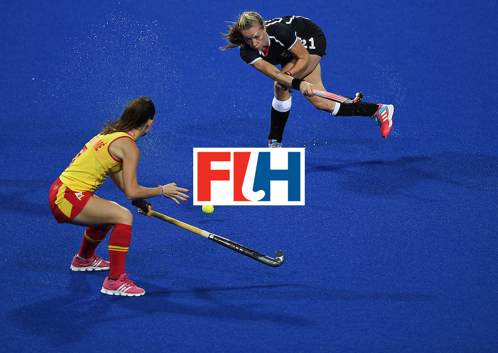 Spain's Carlota Petchame (L) and Germany's Franzisca Hauke vie for the ball during the women's field hockey Spain vs Germany match of the Rio 2016 Olympics Games at the Olympic Hockey Centre in Rio de Janeiro on August, 11 2016. / AFP / MANAN VATSYAYANA        (Photo credit should read MANAN VATSYAYANA/AFP/Getty Images)