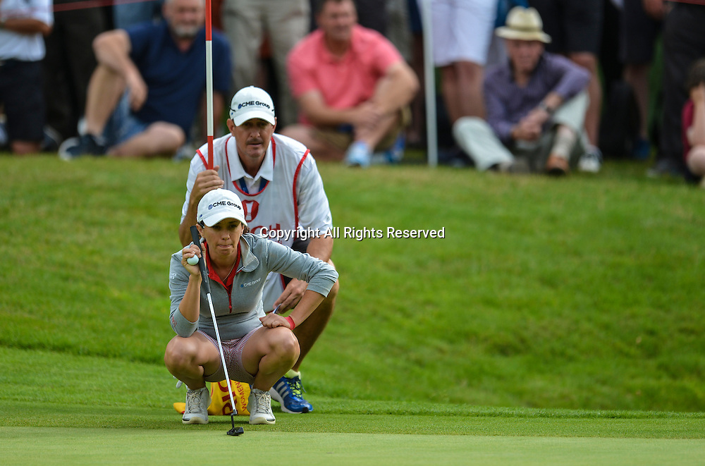 31.07.2016. Woburn Golf Course, Milton Keynes, England. Ricoh Womens Open Golf, final round. Mo Martin (USA) lines up her putt on the 15th.