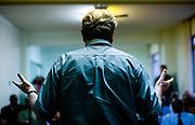 Campanha Márcio Lacerda..O candidato a prefeito de Belo Horizonte, Marcio Lacerda (PSB), apresenta suas propostas a um grupo de pastores evangélicos...Fotos: Leo Drumond / NITRO