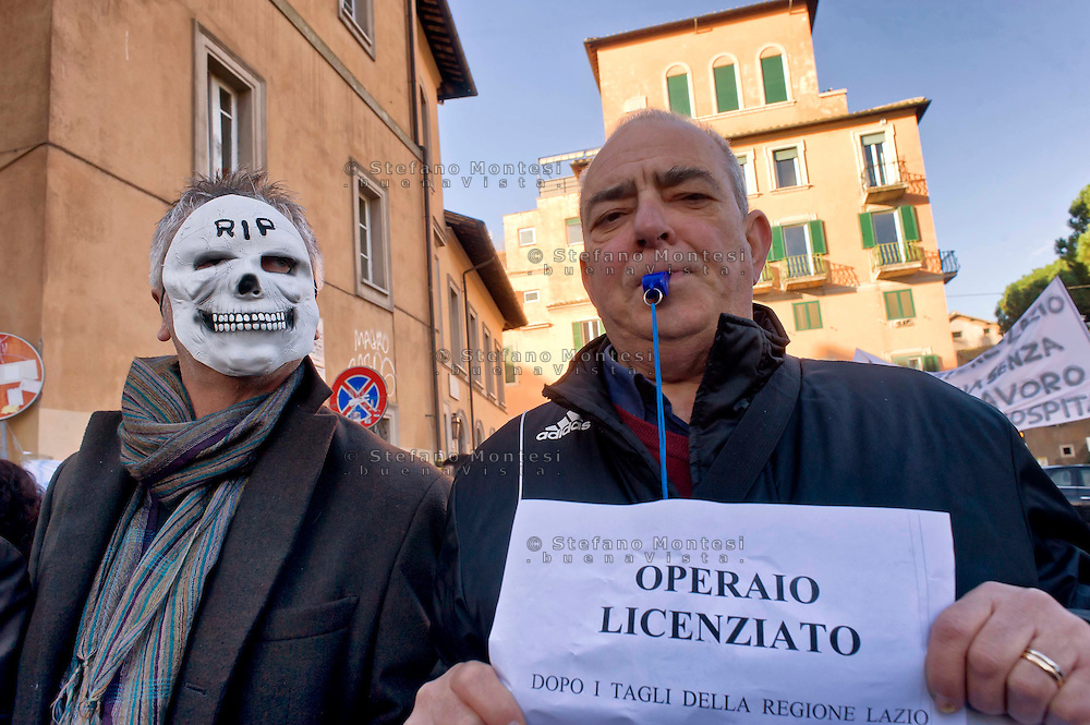 Roma, 17 Dicembre 2014<br /> Manifestazione di lavoratori della sanit&agrave;, a rischio  licenziamento dell' Aurelia Hospital, della European Hospital e della casa di Cura Citt&agrave; di Roma. Circa 160 lavoratori saranno licenziati  e altri 2000 lavoratori rischiano il licenziamento perch&egrave; la Regione Lazio ha tagliato i  fondi per le prestazioni salvavita.<br /> Rome, December 17, 2014<br /> Demonstration by health workers, at risk of dismissal of the Aurelia Hospital, the European Hospital and Home Care City of Rome. About 160 workers will be laid off and another 2000 workers risk dismissal because the Lazio Region has cut funds for life-saving performance.