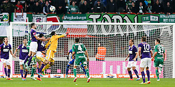 09.11.2014, Ernst Happel Stadion, Wien, AUT, 1. FBL, SK Rapid Wien vs FK Austria Wien, 15. Runde, im Bild Jan Novotna (SK Rapid Wien) , Heinz Lindner (FK Austria Wien) , Alexander Gruenwald (FK Austria Wien) // during a Austrian Football Bundesliga Match, 15th Round, between SK Rapid Vienna and FK Austria Vienna at the Ernst Happel Stadion, Wien, Austria on 2014/11/09. EXPA Pictures © 2014, PhotoCredit: EXPA/ Alexander Forst