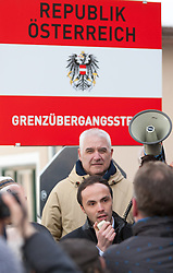 20.02.2016, Grenzübergang, Gries am Brenner, AUT, Demonstration gegen Grenzsicherungsmaßnahmen am Brenner, im Bild Landesrat Südtirol Phillip Achhammer// during a demonstration against cross assurance measures at the border from Italy to Austria in Gries am Brenner, Austria on 2016/02/20. EXPA Pictures © 2016, PhotoCredit: EXPA/ Jakob Gruber
