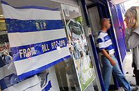 Photo: Leigh Quinnell.<br /> Queens Park Rangers v Southampton. Coca Cola Championship. 01/09/2007.<br /> A message left in the window of the QPR club shop as a tribute to QPR player Ray Jones, after he died in a car crash.