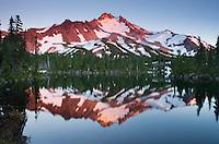 Mount Jefferson seen Bays Lake in Jefferson Park, Mount Jefferson Wilderness, Oregon