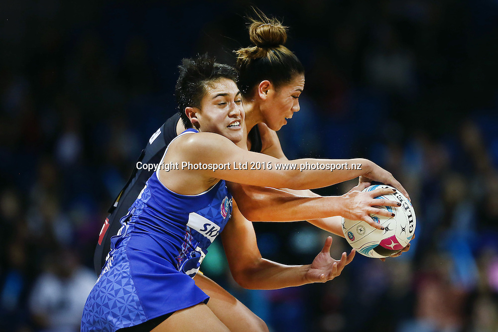 Fa'amu Ioane of the Mystics clashes with Grace Rasmussen of the Magic. 2016 ANZ Championship, Northern Mystics v Waikato BOP Magic, The Trusts Arena, Auckland, New Zealand. 6 June 2016. Photo: Anthony Au-Yeung / www.photosport.nz
