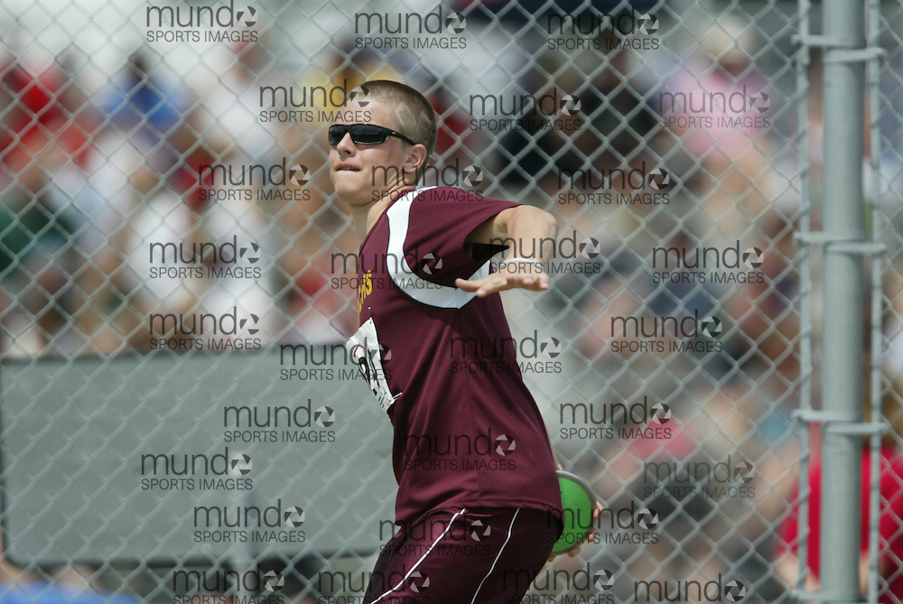 (London, Ontario}---05 June 2010) Brett Korosci of Geraldton - Geraldton competing in the junior boys discus at the 2010 OFSAA Ontario High School Track and Field Championships in London, Ontario, June 05, 2010 . Photograph copyright Sean Burges / Mundo Sport Images, 2010.