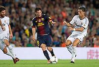 FUSSBALL  INTERNATIONAL  PRIMERA DIVISION  SAISON 2011/2012   23.08.2012 El Clasico  Super Cup 2012 FC Barcelona - Real Madrid  Cristiano Ronaldo (re, Real Madrid) gegen Lionel Messi (Mitte, Barca)