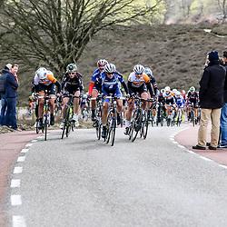 17-04-2016: Wielrennen: Ronde van Gelderland: Apeldoorn    <br />APELDOORN (NED) wielrennen<br />beklimming Posbank met Marianne Vos, Kasia Niewiadowska en Roxane Kneteman op de voorste rij
