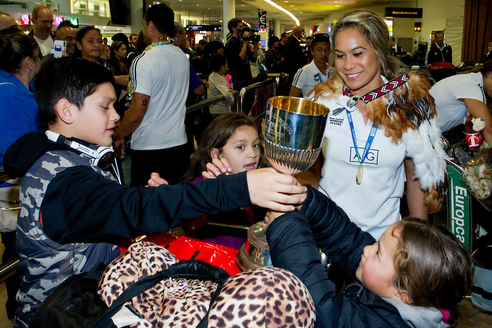 Women's captain Huriana Manuel is welcomed home from Russia as the New Zealand Rugby Sevens arrive at the airport after becoming world champions, Auckland, New Zealand, Wednesday, July 03, 2013.  Credit:SNPA / David Rowland