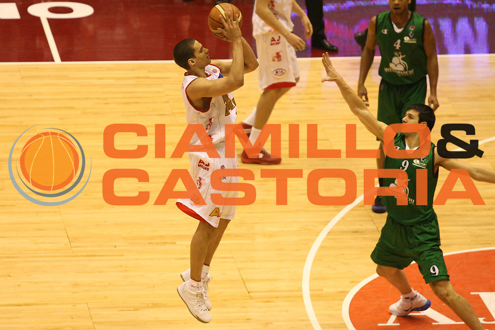 DESCRIZIONE : Milano Lega A1 2006-07 Armani Jeans Milano Montepaschi Siena <br /> GIOCATORE : Green <br /> SQUADRA : Armani Jeans Milano <br /> EVENTO : Campionato Lega A1 2006-2007 <br /> GARA : Armani Jeans Milano Montepaschi Siena <br /> DATA : 07/01/2007 <br /> CATEGORIA : Tiro da Tre <br /> SPORT : Pallacanestro <br /> AUTORE : Agenzia Ciamillo-Castoria/G.Ciamillo