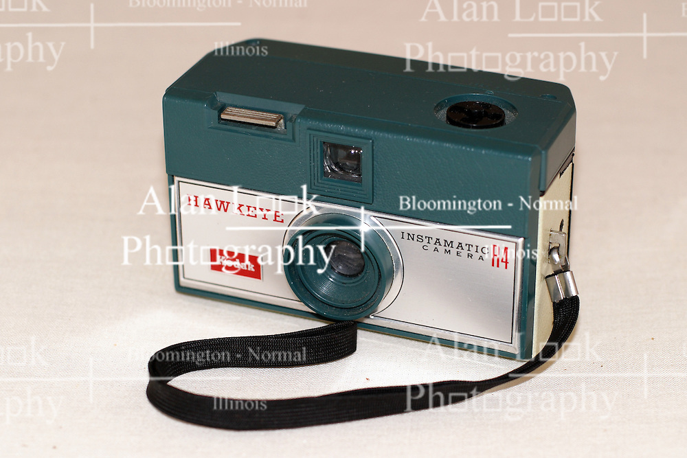 20 July 2006: American-made Kodak Hawkeye Instamatic R4 126 film cartridge was a rangefinder camera (circa 1965 - 1971).  Flash, if needed was provided by a flash cube that offered 4 flashes before needing replaced. This image available for EDITORIAL USE ONLY. A release may be required. Additional information by contacting alook at alanlook.com