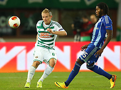 03.10.2013, Ernst Happel Stadion, Wien, AUT, UEFA Europa League, SK Rapid Wien vs Dynamo Kiew, Gruppe G, im Bild Mario Sonnleitner, (SK Rapid Wien, #6) und Dieumerci Mbokani, (Dynamo Kiew, #, 85) // during a UEFA Europa League group G game between SK Rapid Vienna and Dynamo Kyiv at the Ernst Happel Stadion, Wien, Austria on 2013/10/03. EXPA Pictures © 2013, PhotoCredit: EXPA/ Thomas Haumer