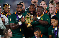 Rugby Union - 2019 Rugby World Cup - Final: England vs. South Africa<br /> <br /> Siya Kolisi of South Africa with the Webb Ellis Trophy after winning the Rugby World Cup Final at International Stadium, Yokohama.<br /> <br /> COLORSPORT/LYNNE CAMERON