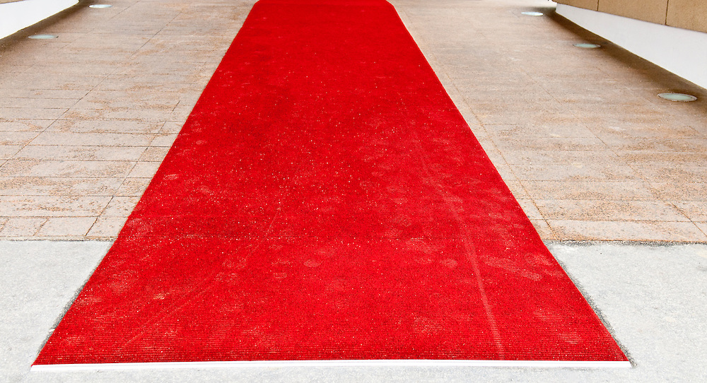 beggining of the red carpet walkway