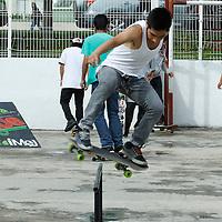 """Toluca, Mexico.-  Jóvenes de diversas edades participaron en la gira """"Armala en Grande"""" en donde pudieron expresarse por medio del grafitti, participaron en el concurso estatal de skate, mostrando su habilidades con la patineta. Agencia MVT / Crisanta Espinosa"""