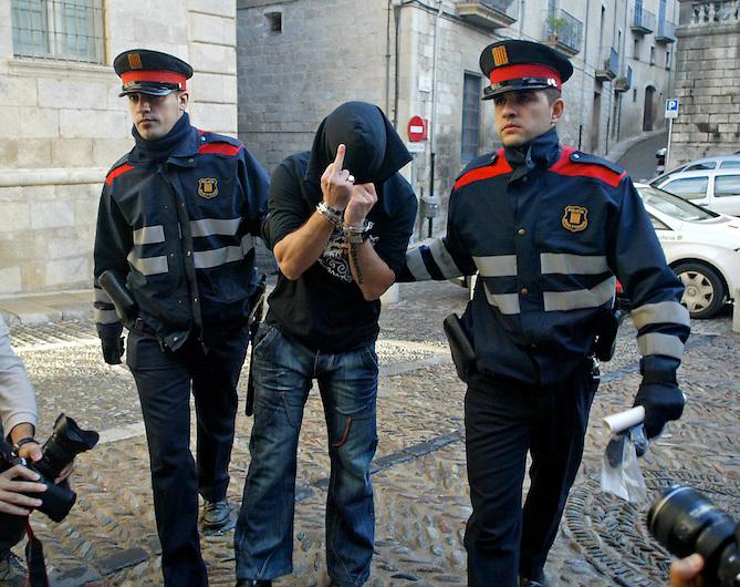 07100901 JUDICI DE RUI MANUEL VENTURA DO SANTOS, ACUSAT DE VIOLAR A SET DONES MENTRE ESTAVA EN LLIBERTAT PROVISIONAL. GIRONA.  SOCIETAT. 09/10/07. TONI VILCHES/CLICKARTFOTO. CAF.