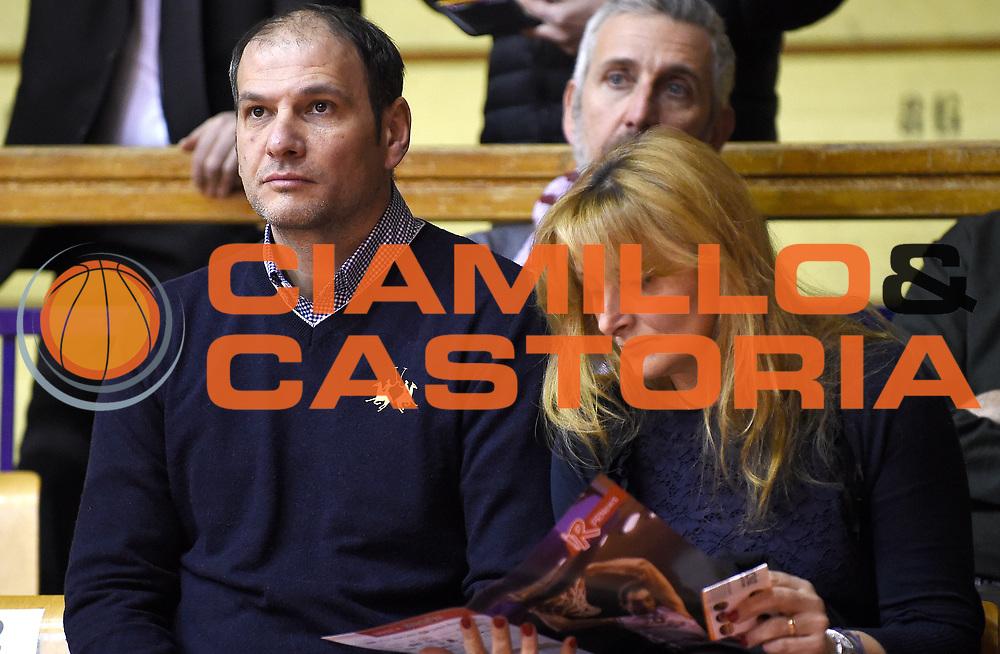 DESCRIZIONE : Reggio Emilia Campionato Lega A 2015-16 Grissin Bon Reggio Emilia Manital Auxilium Torino<br /> GIOCATORE : Nando Gentile e consorte<br /> CATEGORIA : VIP<br /> SQUADRA : <br /> EVENTO : Campionato Lega A 2015-16<br /> GARA : Grissin Bon Reggio Emilia Manital Auxilium Torino<br /> DATA : 17/01/2016<br /> SPORT : Pallacanestro <br /> AUTORE : Agenzia Ciamillo-Castoria/A.Giberti<br /> Galleria : Campionato Lega A 2015-16  <br /> Fotonotizia : Reggio Emilia Campionato Lega A 2015-16 Grissin Bon Reggio Emilia Manital Auxilium Torino<br /> Predefinita :