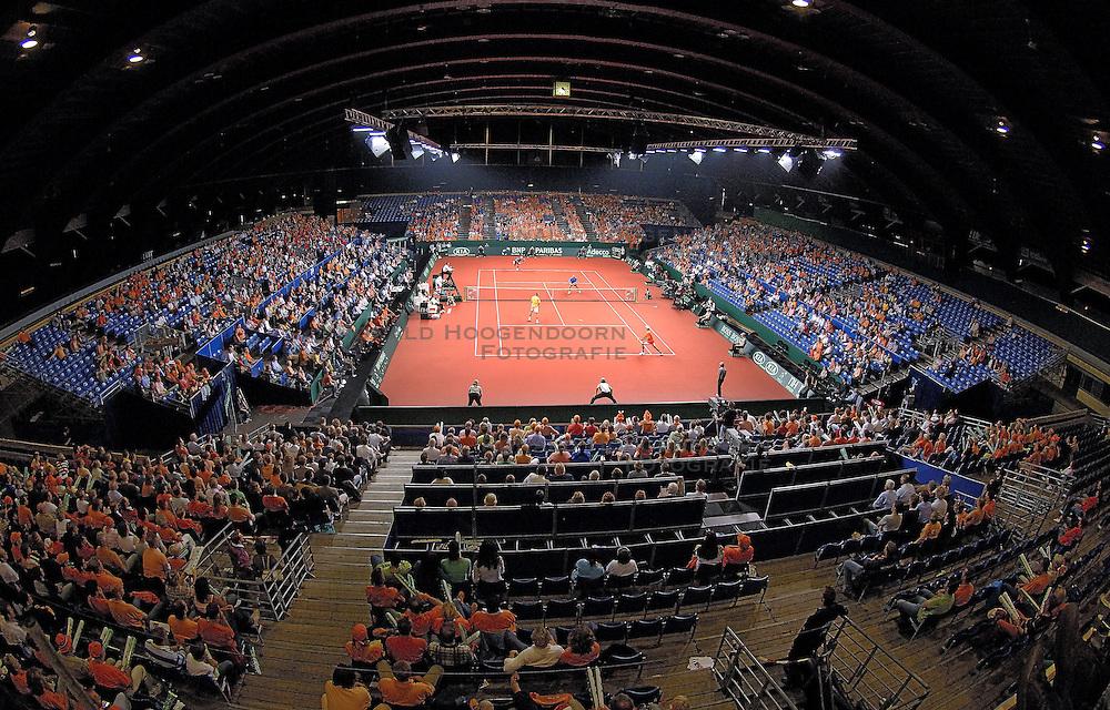 23-09-2006 TENNIS: DAVIS CUP: NEDERLAND - TSJECHIE: LEIDEN <br /> Groenoordhal Leiden , Tennishal  Sporthal<br /> ©2006-WWW.FOTOHOOGENDOORN.NL