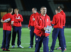 Jonathon Walters checks out the pitch with the Stoke squad before kick off - Photo mandatory by-line: Matt McNulty/JMP - Mobile: 07966 386802 - 26/01/2015 - SPORT - Football - Rochdale - Spotland Stadium - Rochdale v Stoke City - FA Cup Fourth Round