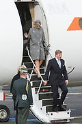 Staatsbezoek Denemarken - Dag 1. Aankomst van het Koninklijk gezelschap op vliegveld Kastrup<br /> <br /> State visit Denmark - Day 1. Arrival of the Royal Family at Kastrup airport<br /> <br /> op de foto / On the photo:  Koning Willem-Alexander en Koningin Maxima / King Willem-Alexander and Queen Maxima