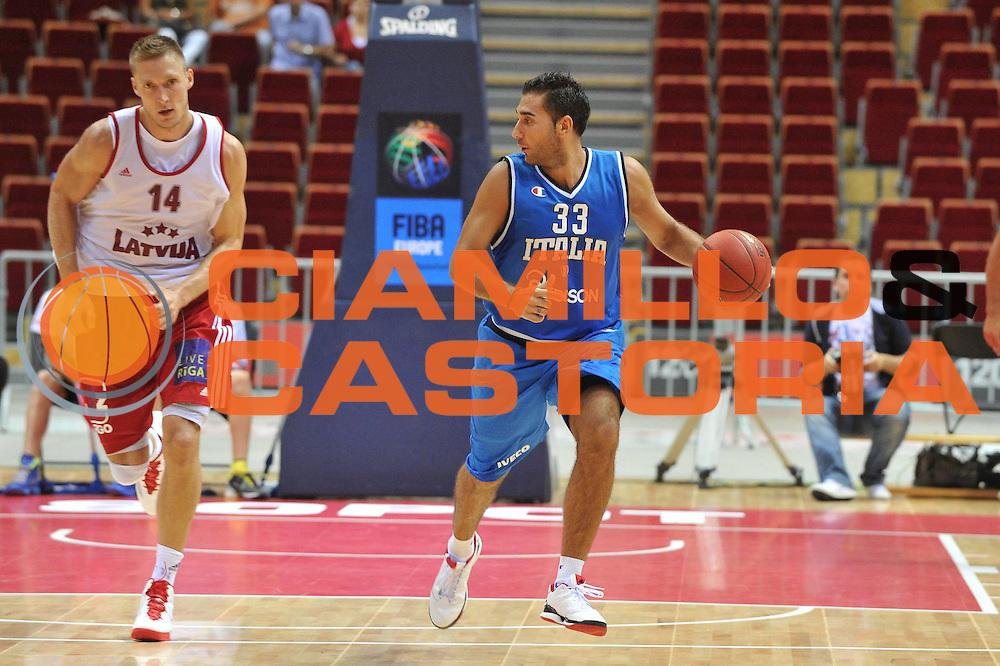 DESCRIZIONE : DANZICA POLONIA TORNEO INTERNAZIONALE SOPOT BASKET CUP Lettonia Italia<br /> GIOCATORE : piertro aradori<br /> CATEGORIA : palleggio<br /> SQUADRA : Nazionale Italia Maschile<br /> EVENTO : TORNEO INTERNAZIONALE SOPOT BASKET CUP<br /> GARA : Lettonia Italia<br /> DATA : 03/08/2012<br /> SPORT : Pallacanestro<br /> AUTORE : Agenzia Ciamillo-Castoria/M.Gregolin<br /> Galleria : FIP Nazionali 2012<br /> Fotonotizia :  DANZICA POLONIA TORNEO INTERNAZIONALE SOPOT BASKET CUP Lettonia Italia<br /> Predefinita :
