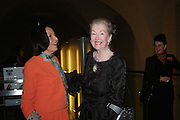 Judith Price and Raine, Countess Spencer. Masterpieces of American Jewelry at the Gilbert Collection. Somerset House. 14 February 2005. ONE TIME USE ONLY - DO NOT ARCHIVE  © Copyright Photograph by Dafydd Jones 66 Stockwell Park Rd. London SW9 0DA Tel 020 7733 0108 www.dafjones.com
